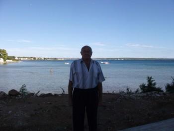 Andband 70 éves társkereső profilképe