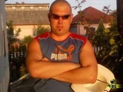 István85 - 35 éves társkereső fotója