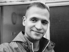 viktor19 - 24 éves társkereső fotója