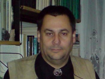 Cavin 53 éves társkereső profilképe
