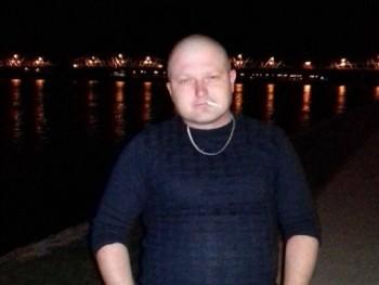 Barta 33 éves társkereső profilképe