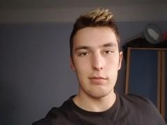 FlawedOne - 21 éves társkereső fotója