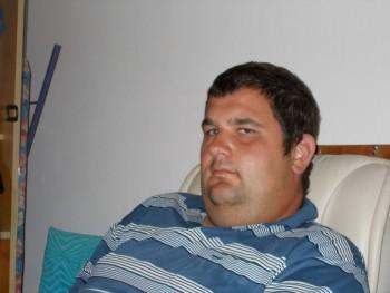 oo12 31 éves társkereső profilképe