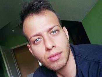 csehibalint 26 éves társkereső profilképe