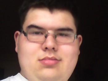 Zsolt349 21 éves társkereső profilképe