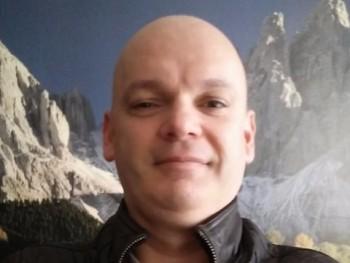 Atthesz 42 éves társkereső profilképe