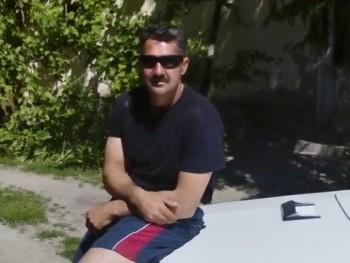 atila02 44 éves társkereső profilképe