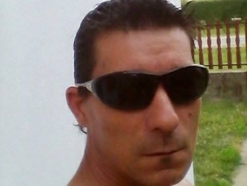 Ernest 44 éves társkereső profilképe