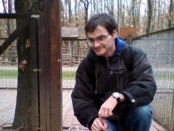 szatti29 42 éves társkereső profilképe