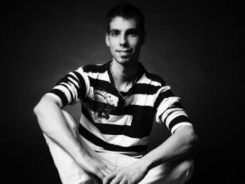 Taky92 27 éves társkereső profilképe