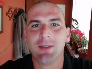 Gabesz546 33 éves társkereső profilképe