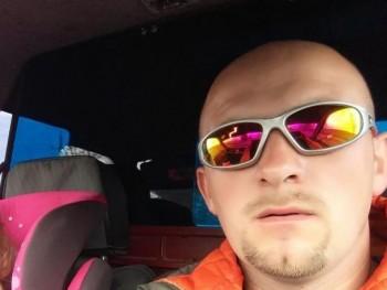 Zozi13 36 éves társkereső profilképe