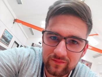 alex9797 22 éves társkereső profilképe