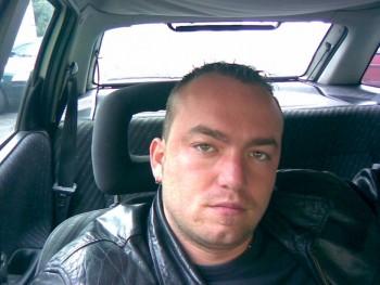 Rolcsi2101 40 éves társkereső profilképe