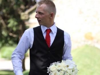 Tibikee22 28 éves társkereső profilképe