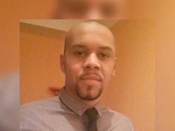hamilton 34 éves társkereső profilképe