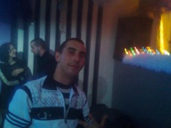djbeh007 34 éves társkereső profilképe