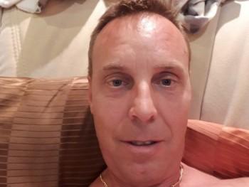 zozizi 42 éves társkereső profilképe