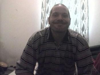 puma1000 35 éves társkereső profilképe