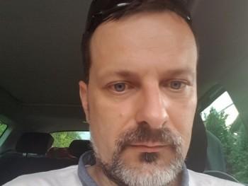 keresgelo 45 éves társkereső profilképe