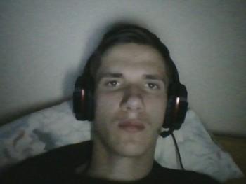 Szpityu98 23 éves társkereső profilképe