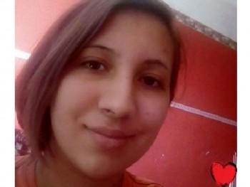 tina019 22 éves társkereső profilképe