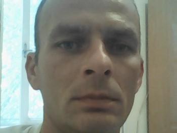 Josi 40 éves társkereső profilképe