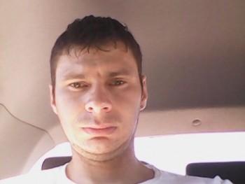 csabi0504 32 éves társkereső profilképe