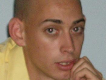 Tibor 29 31 éves társkereső profilképe