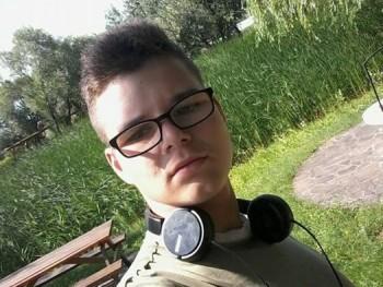 keczeliferenc 22 éves társkereső profilképe