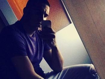 Balazs_ 22 éves társkereső profilképe
