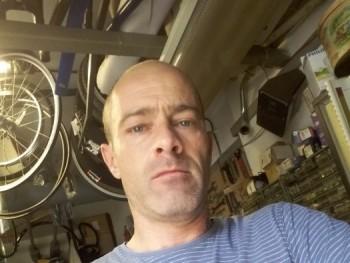 mantarobi 46 éves társkereső profilképe