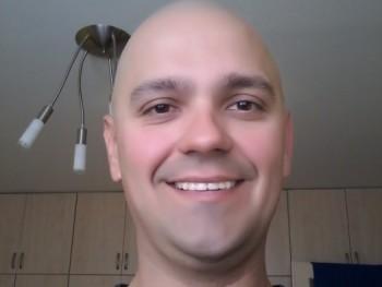 Zoltán37 40 éves társkereső profilképe
