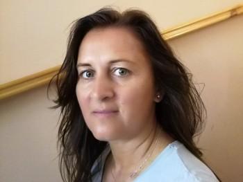 Németh Orsi 45 éves társkereső profilképe