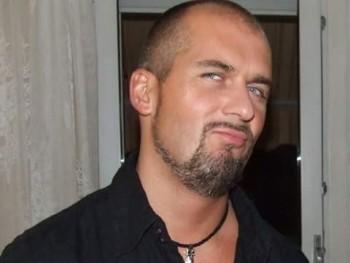 Róbert 75 45 éves társkereső profilképe