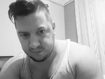zoli13 28 éves társkereső profilképe