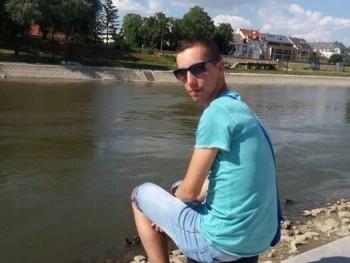 Albert95 25 éves társkereső profilképe