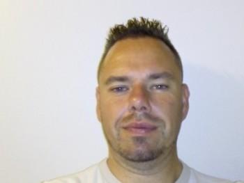 beca 38 éves társkereső profilképe