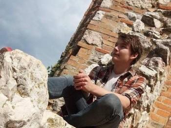 Erikkos 21 éves társkereső profilképe