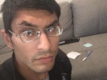 taaamas 29 éves társkereső profilképe