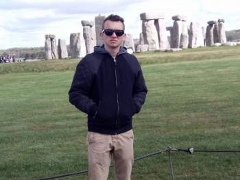 Mate15 21 éves társkereső profilképe