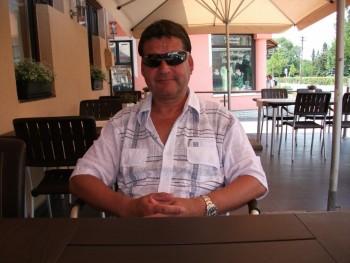 fradika 60 éves társkereső profilképe