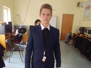 Puflik1999 21 éves társkereső profilképe