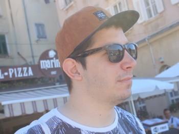 Adamks 28 éves társkereső profilképe