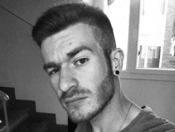 Distvan 23 éves társkereső profilképe