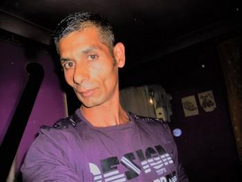jonas bela 39 éves társkereső profilképe