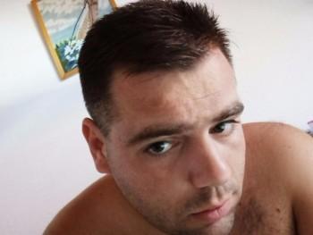 gmilo92 28 éves társkereső profilképe