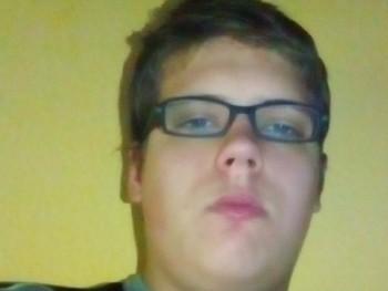 Huszti Ferenc 19 éves társkereső profilképe