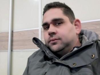 József87 34 éves társkereső profilképe