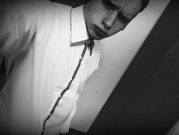 Miky0512 19 éves társkereső profilképe